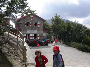 Thadeus and Elliott arriving at Rifugio Battisti